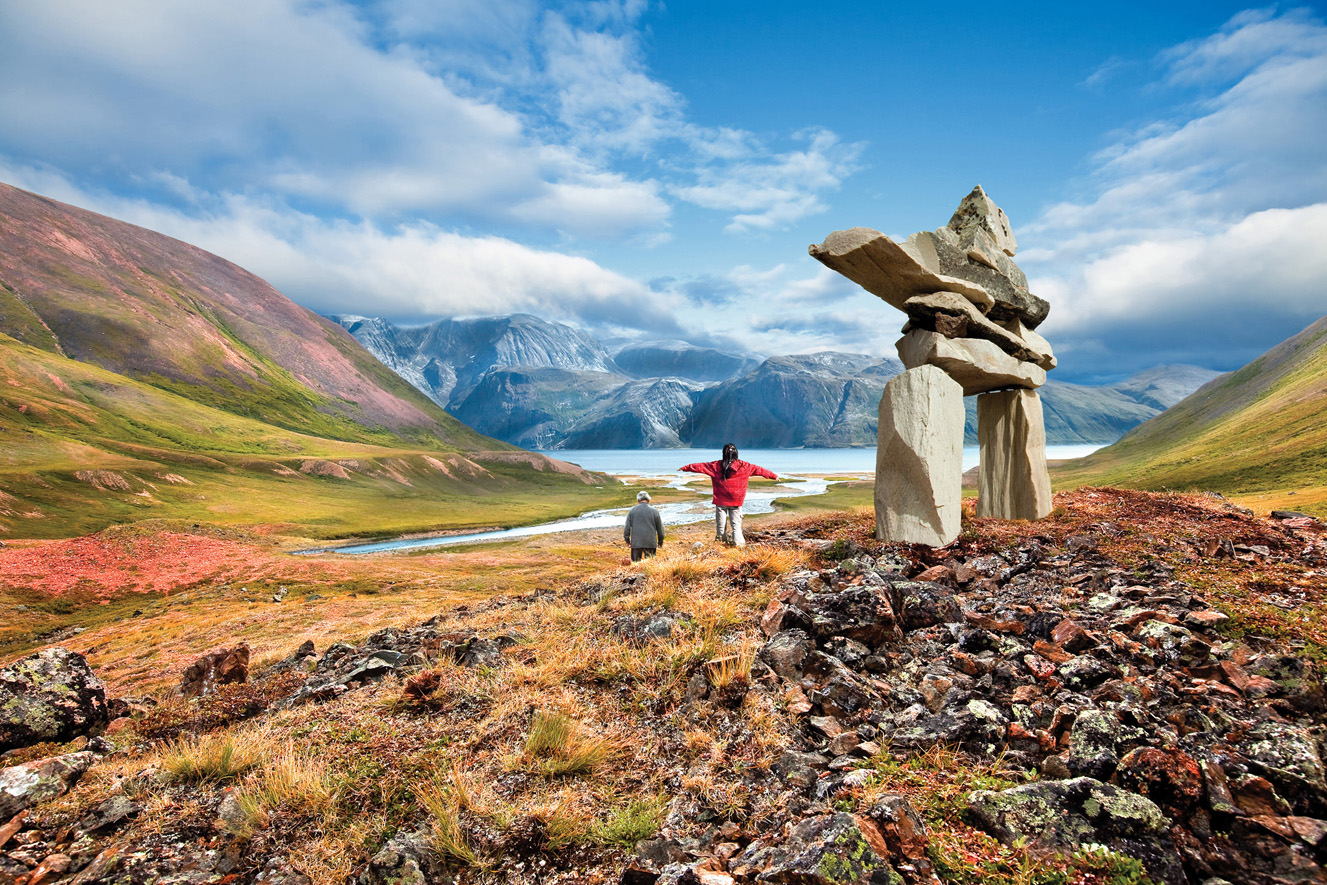 labrador-torngats-mountains-inukshuk-and-people-eps